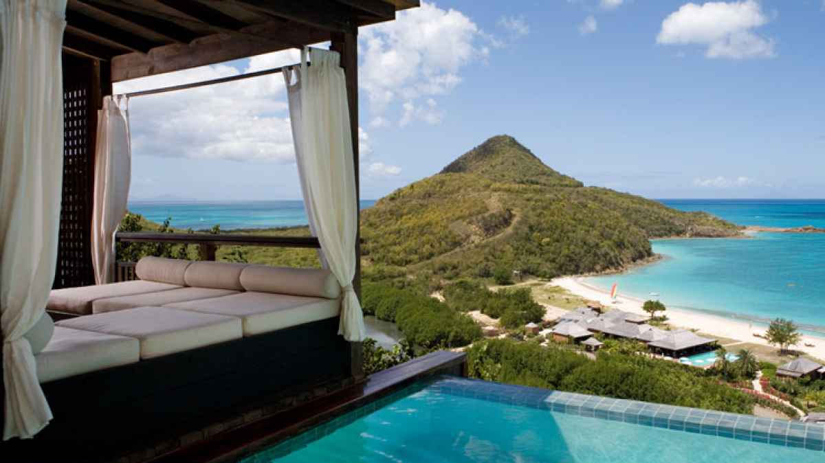 romantic_getaway_resorts_antigua_hermitage_bay_scene